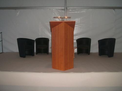 location tente pour vos conf rences sur nantes location richard. Black Bedroom Furniture Sets. Home Design Ideas